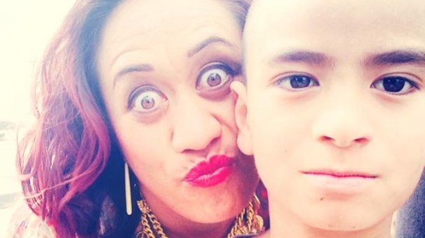 Selfie: Miss Kihi raua ko tamaiti